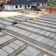 Príprava na betonáž prefabrikovaného a monolitického stropu.