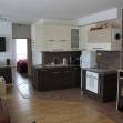 Po realizácii interiéru - kuchyňa s obývacou časťou.